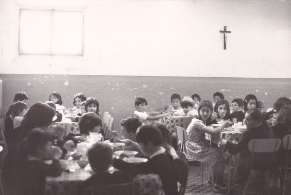 Calderara, la refezione a scuola