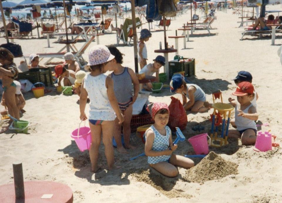Scuola materna comunale di Calderara, gita di tre giorni al mare, anni '80