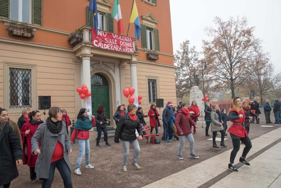 Flash mob per dire NO alla violenza sulle donne, novembre 2017