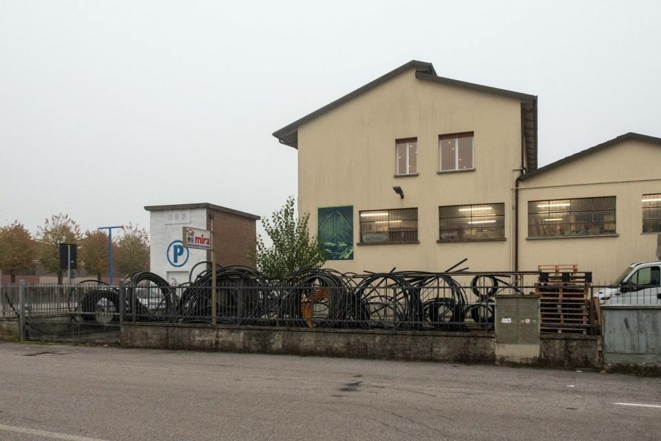 Azienda Mira, Bargellino. Il muro