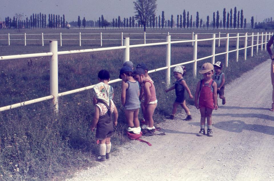 Nido Peter Pan, gita alla Tenuta agricola Orsi Mangelli (Zola Predosa), 1979