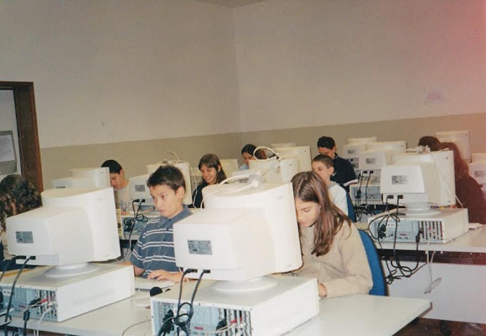 Scuola media Calderara, aula informatica