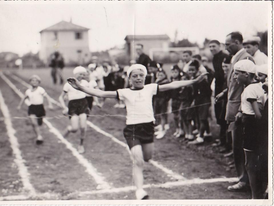 Saggio ginnico al Campo sportivo di Calderara