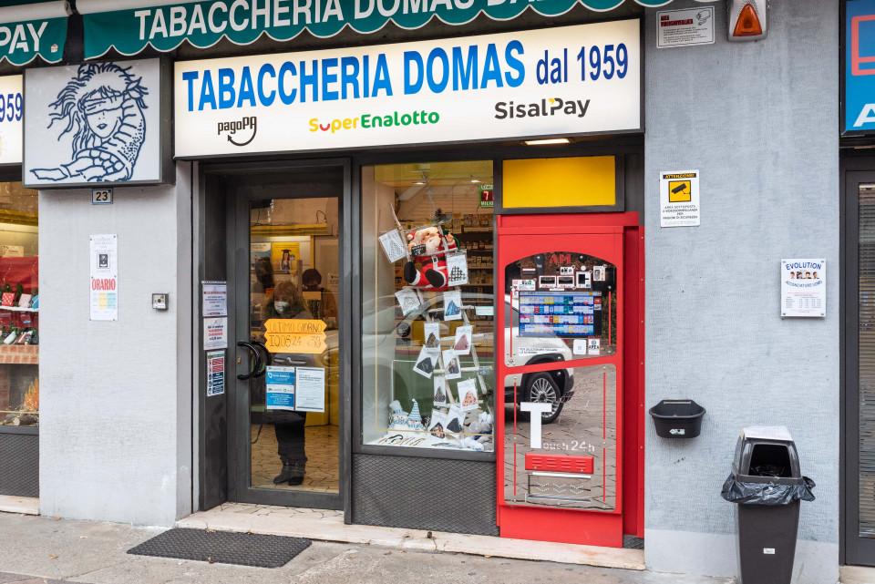 Tabaccheria Domas, Calderara
