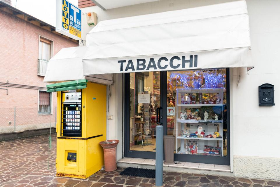 Tabacchi, Longara