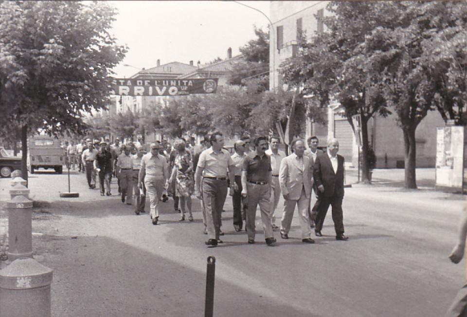 Corteo con il sindaco Franco Vignoli, anni '60