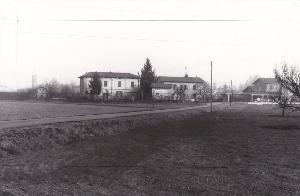 Longara, 1990