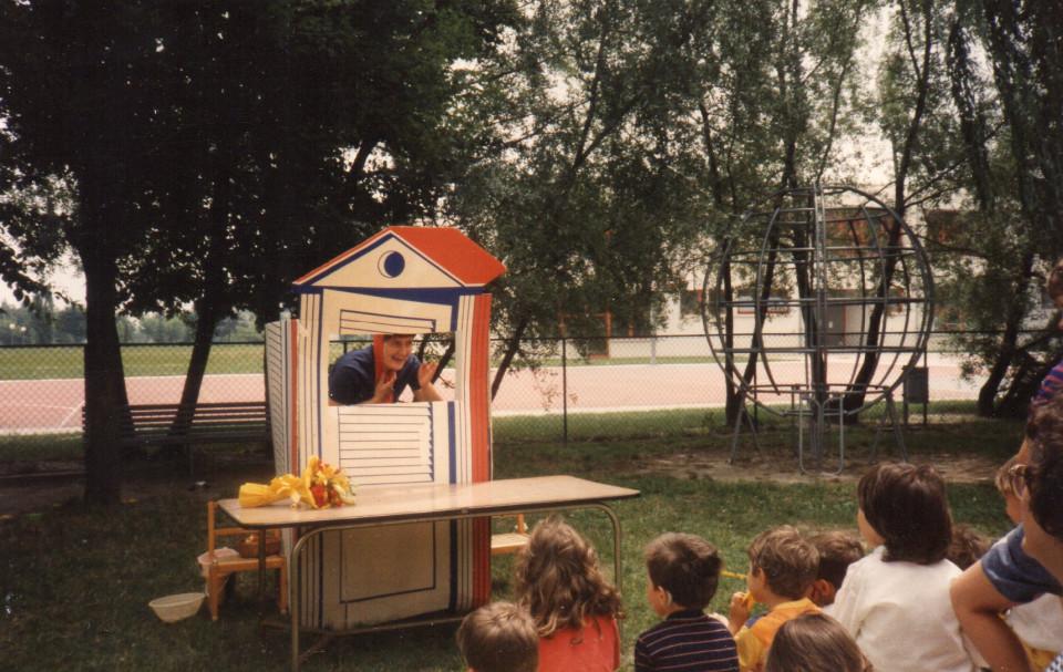 Scuola materna comunale Arcobaleno, 1985