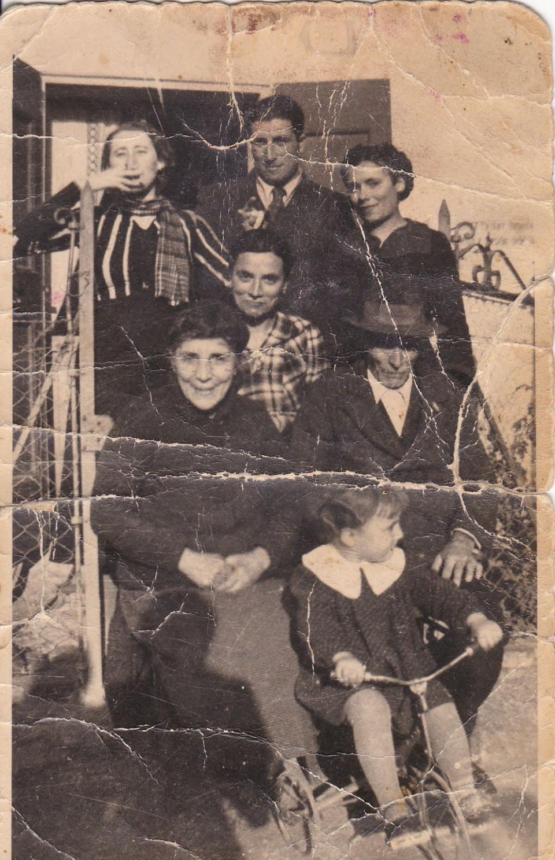 Franca e la sua famiglia, 1930