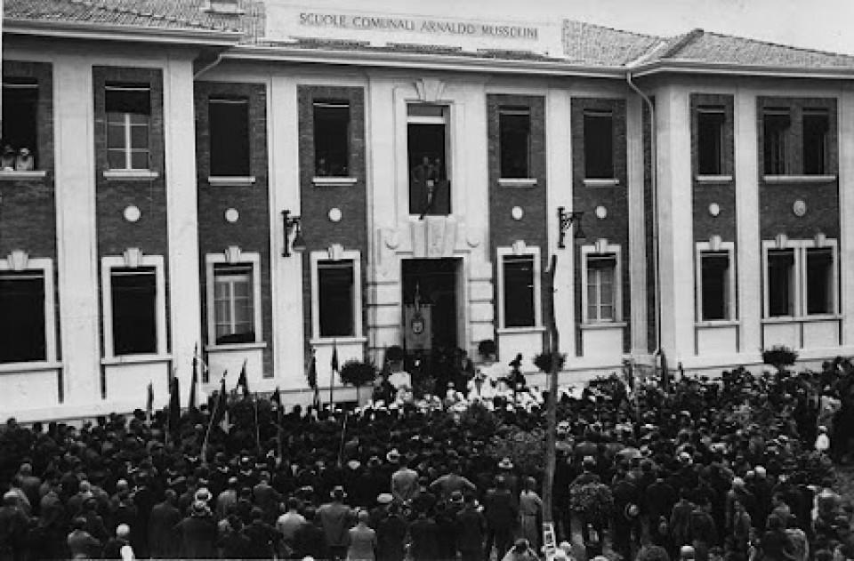 Scuola elementare Arnaldo Mussolini, ora Scuola primaria Collodi. Inaugurazione, 1934
