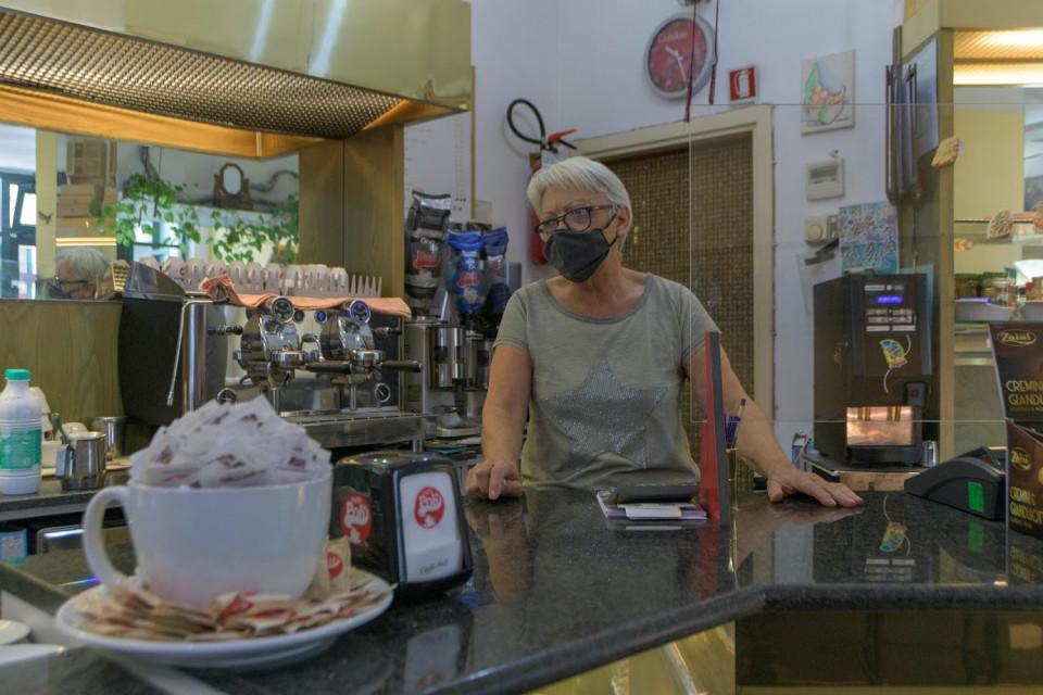 Bar Erica, Longara