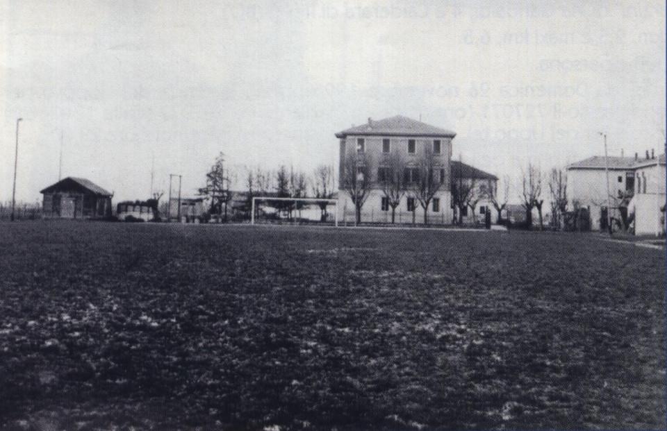Il Campo da calcio che si trovava di fianco al Comune